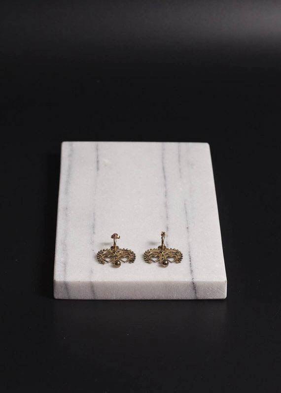 heart_shaped_golden_earrings_by_tigerframe_jewellery