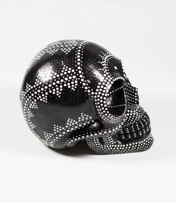 painted_skull_bw_3