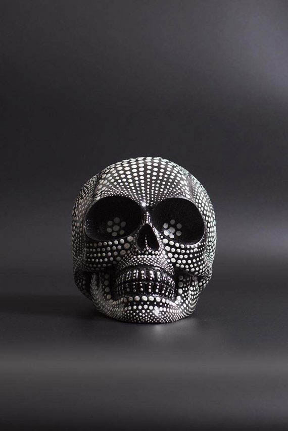 skull_dotted_black_01