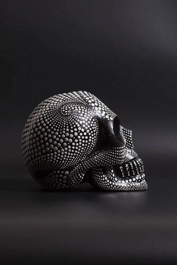 skull_dotted_black_02