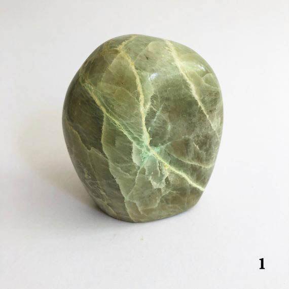 House of Formlab Garnierite Green Moonstone 03