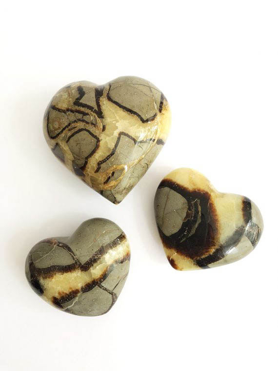 House of Formlab Septarian Dragon Stone Heart 01