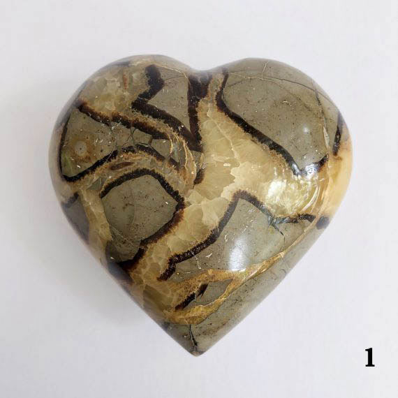House of Formlab Septarian Dragon Stone Heart 03