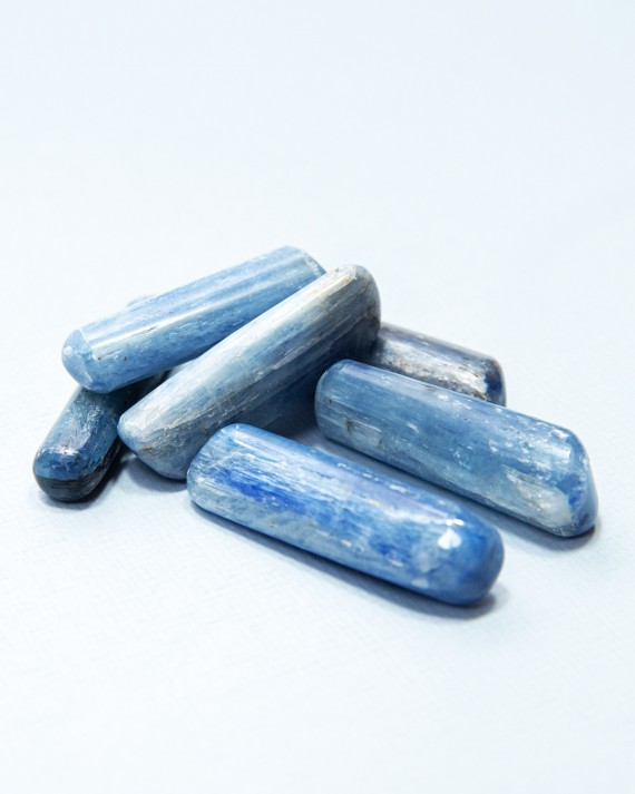 House-of-Formlab-Polished-Kyanite-Wands-001