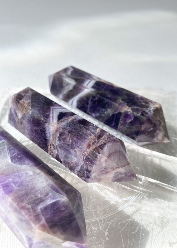 House-of-Formlab-Chevron-Dream-Amethyst-Double-Terminated-Wand-001